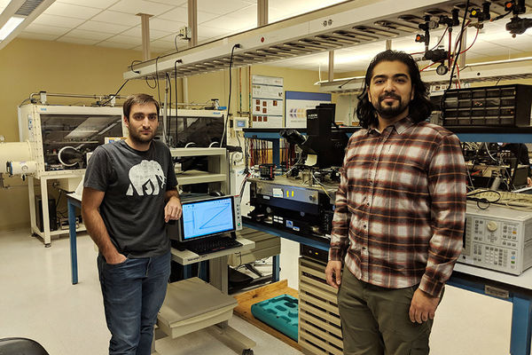 Notre Dame graduate students reveal new understanding of ferroelectric devices